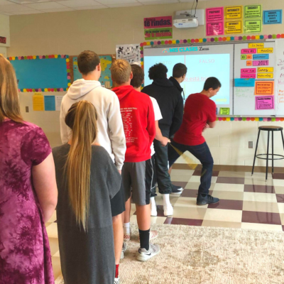 1, 2, 3, ¡SALTA! (1,2,3 Jump!) game to get class moving